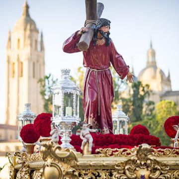 Daniel Sanz, ganador del XXIII concurso del Cartel Anunciador de la Semana Santa segoviana 2015.